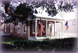 the Little Red House at Magnolia Oaks Bed & Breakfast, Columbus, Texas